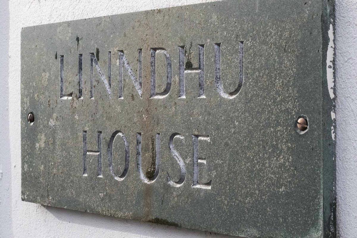 Linndhu house doorsign